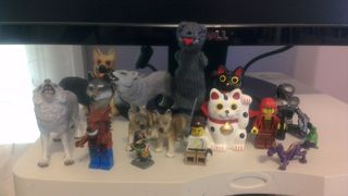 Desk guardians