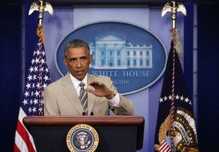 Barack-obama-tan-suit