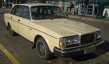 220px-'80-'82_Volvo_240DL_Sedan