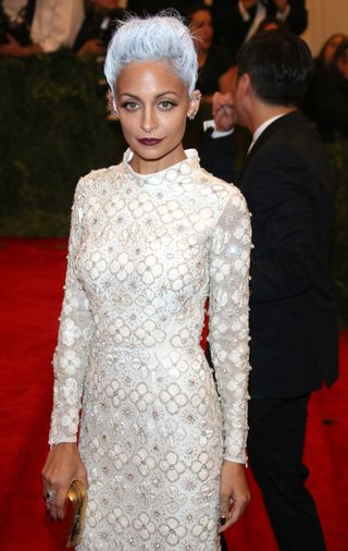 Nicole-Richie-Rocks-Grey-Hair-at-the-MET-Gala-2013-Photos-2