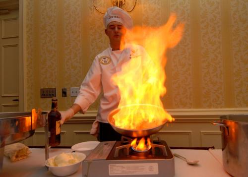 Chef-713674_960_720