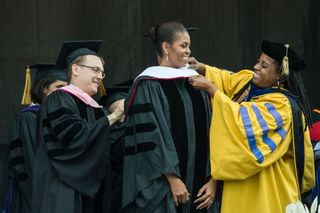 Michelle_obama_at_oberlin