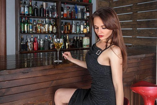 Girl in bar -- use